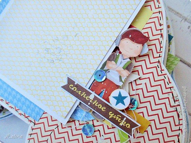 """Добрый вечер! Хочу показать вам альбом в форме машинки по шаблону блога Мухи творчества http://myhi-creativiti.blogspot.ru/2016/03/3.html. Хотелось, чтобы все было такое яркое, солнечное и радостное. Для этого выбрала бумагу фирмы ScrapМир """"Такие мальчишки""""   фото 7"""