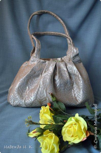 Здравствуйте, доброго времени суток, жители и гости СМ! Сегодня я хочу вам показать свои летние сумочки, сделанные в разное время, но с большой любовью. Особых талантов  в шитье не имею, поэтому модели выбираю простые, при этом больше уделяю внимания отделке. фото 12