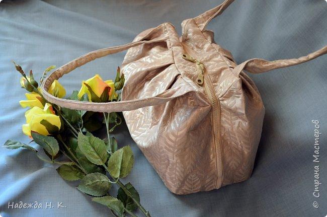 Здравствуйте, доброго времени суток, жители и гости СМ! Сегодня я хочу вам показать свои летние сумочки, сделанные в разное время, но с большой любовью. Особых талантов  в шитье не имею, поэтому модели выбираю простые, при этом больше уделяю внимания отделке. фото 13