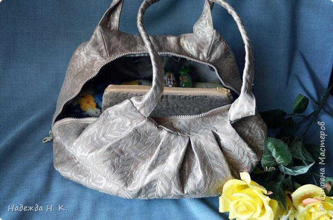 Здравствуйте, доброго времени суток, жители и гости СМ! Сегодня я хочу вам показать свои летние сумочки, сделанные в разное время, но с большой любовью. Особых талантов  в шитье не имею, поэтому модели выбираю простые, при этом больше уделяю внимания отделке. фото 16