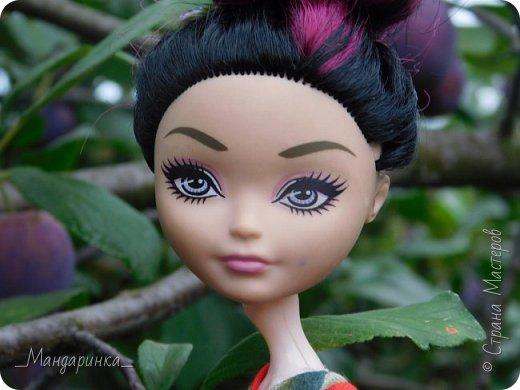 """Всем привет!Сегодня я сдаю работу на конкурс """"Япония""""Ссылка - http://stranamasterov.ru/node/1042939?c=favorite (Загружаю её уже 4 раз)Для конкурса я сшила кимоно из красной ткани с цветочным орнаментом и пояс из бордовой и чёрной ленты.Моделью выступает Бель, кукла моей сестры. фото 8"""