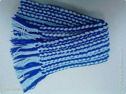 Очень интересная техника вязания шарфа при помощи линейки. Легко даже если кто-то ни разу не вязал. Вязала по МК - http://www.stranamam.ru/post/6943991/. Отличный подарок на Новый Год, а самое главное он очень теплый и уютный. Это мой разноцветный шарфик - он был первый)) фото 2