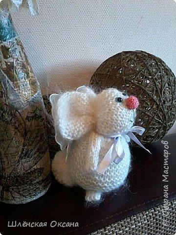 Доброго времени суток,Страна Мастеров!Хочу познакомить вас с Нюшей,что за зверь непонятно,для меня это кролик,для других это свинка,а может это тушканчик,всё дело в хвосте,как ни крути это кролик))) фото 8