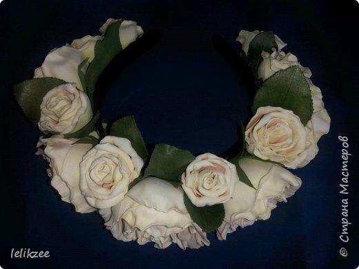 Ободок с розами. Цвет айвори с нежными розовыми полутонами внутри розы. На фото не очень цвета передаются((, но на последнем можно разглядеть))) Надеюсь вам понравятся мои работы)) Спасибо)) фото 2