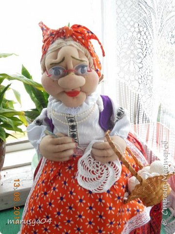 Бабушка-вязальщица на чайник фото 3