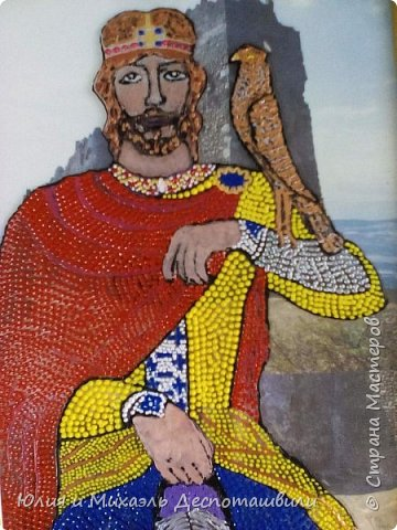 """Молодой да ранний, вступивший на престол в 15-летнем возрасте и практически тогда же оказавшийся на поле брани и познавший все ужасы войны, он вошел в историю не только как открывший место и начавший строительство Тбилиси, но и как начавший избавление Грузии от иранского/персидского господства. Да и погиб он от рук врага в 60 лет, правив перед этим 45 (по тем временам и возраст его был велик, и время, проведенное на престоле). Также, как и Давид, причислен к лику святых, похоронен в Мцхете , перед этим скончавшись от ранений в крепости Уджарма…Интересный запоминающийся факт: рост Вахтанга Горгасали был 2 м 40 см. Необыкновенной силы (меч его весил 40 кг). Горгасали переводится с перского как """"волчья голова"""", так как именно она была изображена у него на шлеме, как знак мужества в бою.  фото 2"""