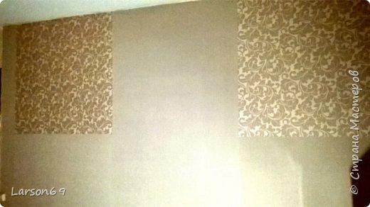 Вся комната из разных композиций обоев, делали давно. Вот дошло время до самой большой стены ( раньше ковёр весел на ней), но не могла по ряду причин снять его( личное). Вот пришло время и из разных обоев, но одной фактуры и практически цветовой гаммы, сделала ремонт стены.  фото 2