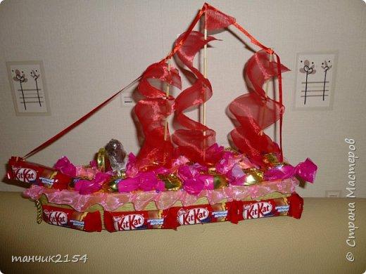 Кукла, юбка сделана из конфет фото 7