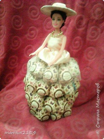 Кукла, юбка сделана из конфет фото 1