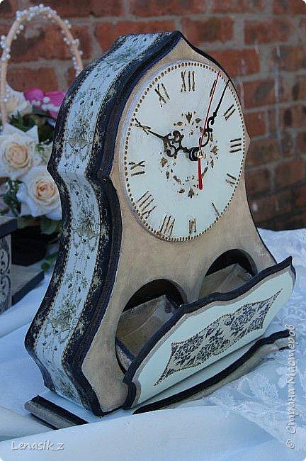 Люблю я шкатулочки, ящички и все потайное, секретное... Даже если к этому прилагаются большие настольные часы. фото 3