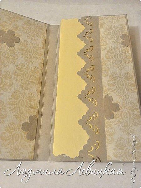 Здравствуйте! Я так давно хотела сделать шоколадницу, и вот наконец соорудила... Бумага  простенькая из недорогого набора для открыток. Цветочки из фома + чипики. фото 5