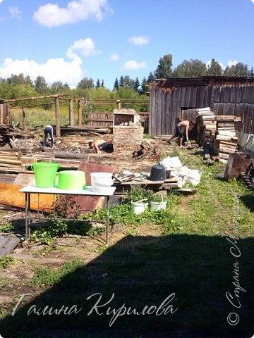 Добрый день ! Вот решила выложить свои весенние труды . Это мой двор в процессе работы . Это грядки под клубнику . фото 31