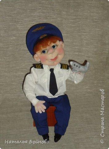 Текстильная кукла- летчик гражданской авиации фото 1