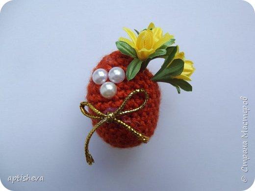 Маленькие сувениры на магнитах для холодильника, изготовлены из различных декоративных материалов. фото 3