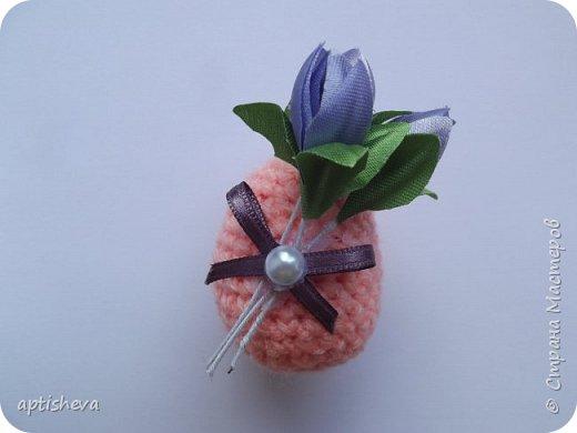 Маленькие сувениры на магнитах для холодильника, изготовлены из различных декоративных материалов. фото 10