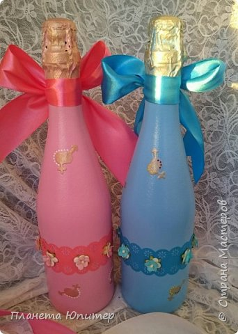 Один из моих коллег на днях вступает в законный брак. Попросил сделать им на свадьбу три бутылочки. Заказ выполнен. Заказчик доволен. фото 8