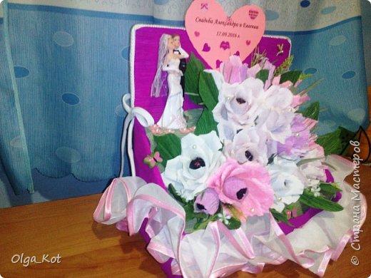 Пригласили нас на свадьбу, вот я и решила сделать композицию с цветами и конфетами в подарок.  фото 4