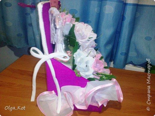 Пригласили нас на свадьбу, вот я и решила сделать композицию с цветами и конфетами в подарок.  фото 5