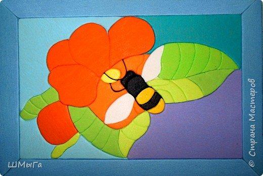 И снова главным героем моих картинок является Пчелка. фото 2