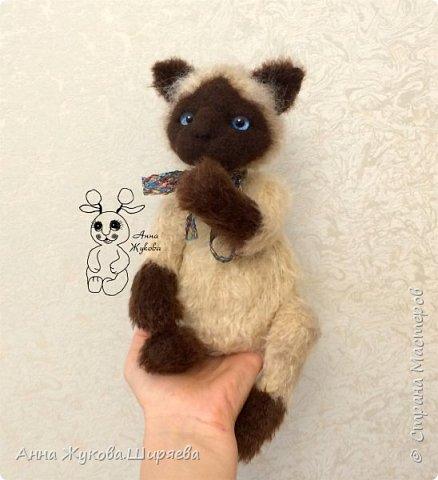 Сиамский котик вязаный фото 3
