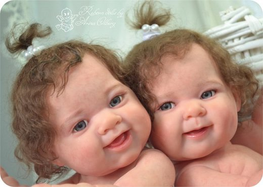 """Здравствуйте, дорогие мои:)! Хочу познакомить вас с моими""""ново-рождёнными"""" детками. Сестрёнки-подружки Леся и Ася. Роспись красками генезис, волосики и реснички- натуральный мохер.Куколки полностью виниловые. Рост малышек 35см, вес около 1кг. фото 1"""