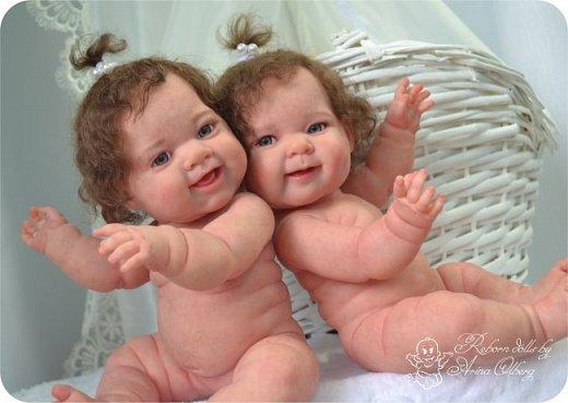 """Здравствуйте, дорогие мои:)! Хочу познакомить вас с моими""""ново-рождёнными"""" детками. Сестрёнки-подружки Леся и Ася. Роспись красками генезис, волосики и реснички- натуральный мохер.Куколки полностью виниловые. Рост малышек 35см, вес около 1кг. фото 4"""