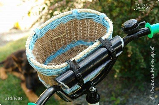 """Доброй ночи, коллеги!  Решилась я на эксперимент - велокорзинки детские... давно меня восхищали плетеные велокорзины, решила начать с детских, к тому же их можно сделать яркими, дети это любят, а я как люблю баловаться цветом.... вот и оттянулась )))) """"Корзинка лесной феи"""" размер 26х17 см, h 15 см фото 10"""