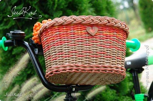 """Доброй ночи, коллеги!  Решилась я на эксперимент - велокорзинки детские... давно меня восхищали плетеные велокорзины, решила начать с детских, к тому же их можно сделать яркими, дети это любят, а я как люблю баловаться цветом.... вот и оттянулась )))) """"Корзинка лесной феи"""" размер 26х17 см, h 15 см фото 3"""
