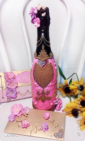 Мое новое творение, так сказать  в стиле ампир. (Шампанское, конверт для денег и книга пожеланий) Основной узор - кружево, цветы из офисной бумаги.. и много много разных мелких деталей фото 1
