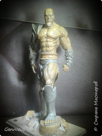 God of war кратос из скульптурного пластилина. фото 3