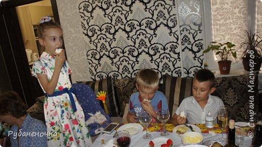 В этом году  день рождения доченьки было решено отмечать дома узким семейным кругом... Роль аниматора/организатора взяла на себя я, и вот что из этого получилось фото 17