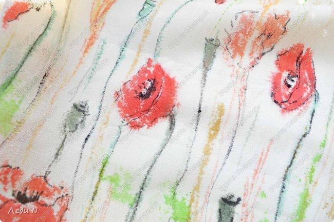 Доброе время суток, уважаемые обитатели СМ!  Тут скопились у меня цветочки разные, рисованные и для декора приспособленные, а также мыльные, которые я по забывчивости или в силу иных причин не показывала.  Итак - осторожно - ЦВЕТЫ!  Мисочка с одуванами. Роспись на стекле витражными красками. Вечный мой рисунок стилизованный - и так его использую, и эдак - а всё не надоедает! Есть в этом, право слово, что-то маниакальное! По пока локализованные изображениями одуванчиков.  С одной стороны одуванчики черные с белым фото 12