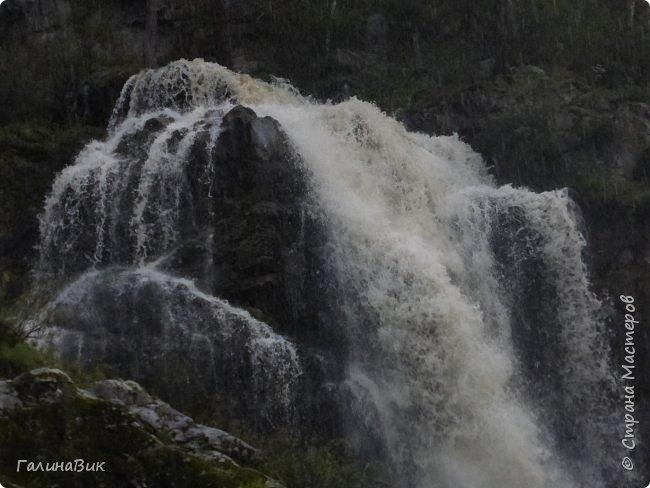 29 июля мы совершили поход к Камышлинскому водопаду, расположенному на реке Камышла, являющейся левым притоком Катуни. Этот водопад - памятник природы Республики Алтай с 1996 года. фото 9