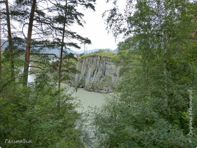 29 июля мы совершили поход к Камышлинскому водопаду, расположенному на реке Камышла, являющейся левым притоком Катуни. Этот водопад - памятник природы Республики Алтай с 1996 года. фото 15