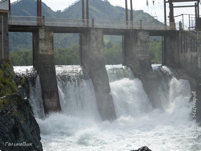 29 июля мы совершили поход к Камышлинскому водопаду, расположенному на реке Камышла, являющейся левым притоком Катуни. Этот водопад - памятник природы Республики Алтай с 1996 года. фото 30
