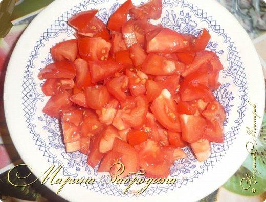 В сезон баклажанов рекомендую приготовить еще одно красивое, летнее блюдо - баклажаны с чесноком и помидорами. Блюдо получается сытное. Рецепт ленивый, готовится очень быстро, все продукты простые, а получается очень-очень вкусно! фото 7