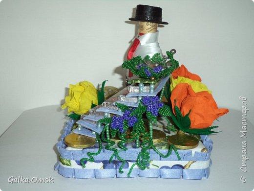 """Это лестница успеха. Сделана мною в подарок мужчине на день рождения.Назвала её """"Виноградная лоза"""", поскольку виноград считается символом богатства и успеха  фото 2"""