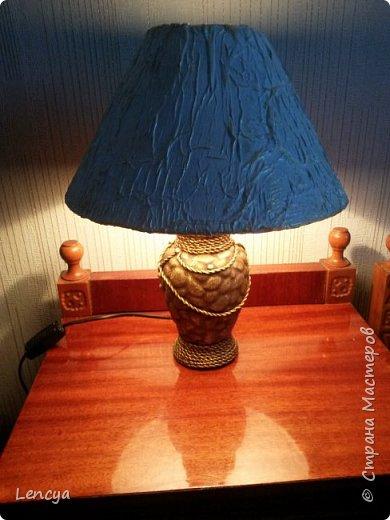 Здравствуйте жители и гости СМ. Сегодня я с небольшим МК по декору торшера. Отец попросил обновить настольную лампу , а затем и торшер стал в очередь) . Давно я на него поглядывала да все никак рука не подымалась . Но после одобрения владельца и обновления колыбельки http://stranamasterov.ru/node/1041769 уже ничего не страшно было. ВНИМАНИЕ ! ТОЛЬКО ДЛЯ ЭНЭРГОСБЕРЕГАЮЩИХ ИЛИ ДИОДНЫХ ЛАМП! фото 21