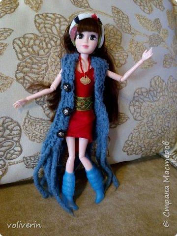 И ещё два комплекта одежды, для кукляхи. фото 8