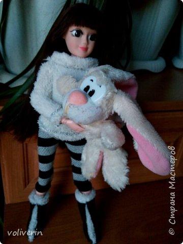 И ещё два комплекта одежды, для кукляхи. фото 6