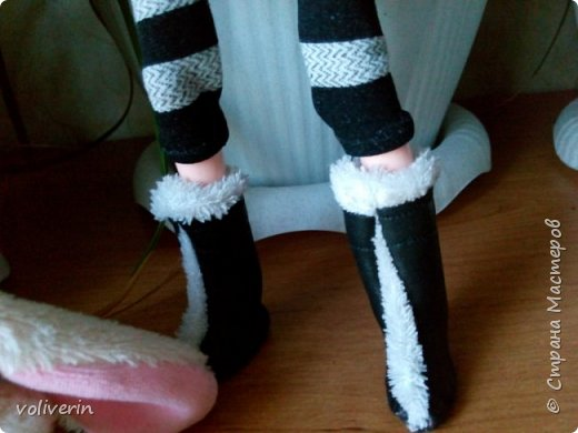 И ещё два комплекта одежды, для кукляхи. фото 7