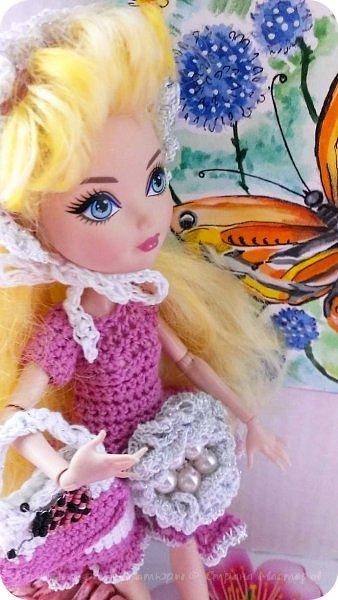 Здравствуй СМ. Сегодня сдаю работу на конкурс '' Наряд для вечеринки по случаю окончания лета''    http://stranamasterov.ru/node/1044307#comment-14129345 Давайте посмотрим что получилось. Это Алиса,она рада знакомству с вами. фото 2
