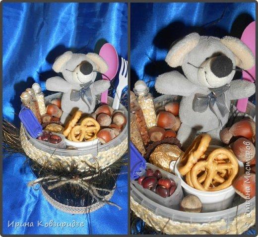Никогда не выбрасываю торфяные горшочки, а делаю для детей сувениры в подарок Горшочек с павлиньими перьями вместо травки фото 5