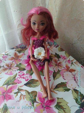 Всем привет сегодня мы будем делать украшение для куклы.Это бюджетный вариант для поделки,надеемся вам понравится.И кстати у нас новенькая ,увидети её в фотосессии.Что-то заболтались и так начнем. фото 13