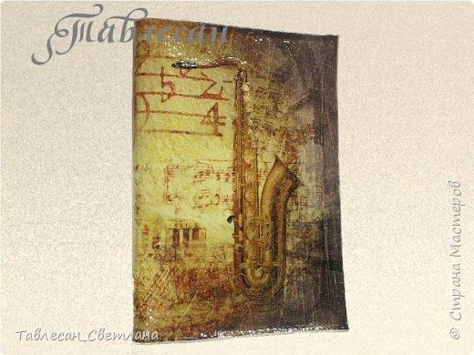 Обложки в технике декупаж. Почти все обложки с объемными элементами, прорисовкой контурами и пр. декором 1. Ван Гог. Ирисы фото 30