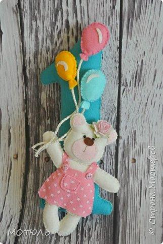Добрый день страна!!Покажу сегодня свое шитье. Это именные гирлянды из фетра, декоративные цифры на рождение малышей и подушечки . фото 19