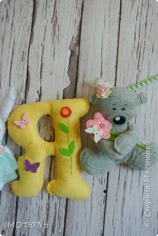 Добрый день страна!!Покажу сегодня свое шитье. Это именные гирлянды из фетра, декоративные цифры на рождение малышей и подушечки . фото 14
