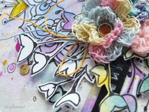 Вот такая открытка родилась у меня под настроение с рисованным элементом,вязанными цветочками. Как-то понравилось мне рисовать дудлинг... фото 1