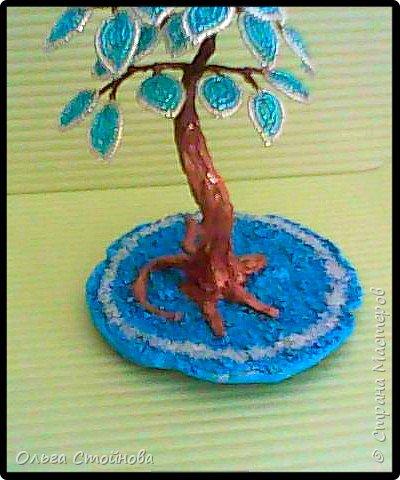 Голубое деревце из бисера фото 2