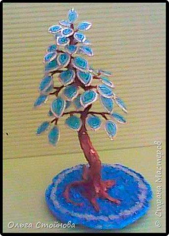 Голубое деревце из бисера фото 1